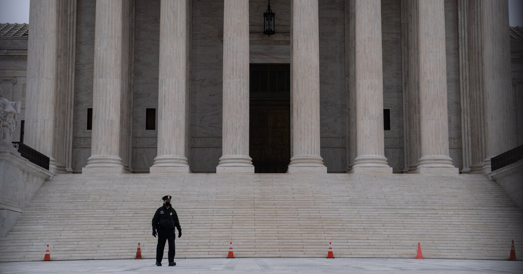 Supreme Court Weighs Limits of 'Hot Pursuit' by Police