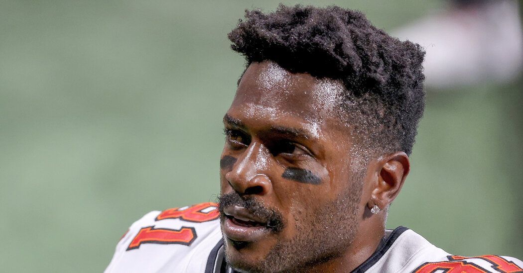 Why Some Women Don't Want Antonio Brown in the Super Bowl