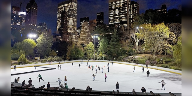 Trump freeze-out: De Blasio puts former president's NYC rink contracts on ice