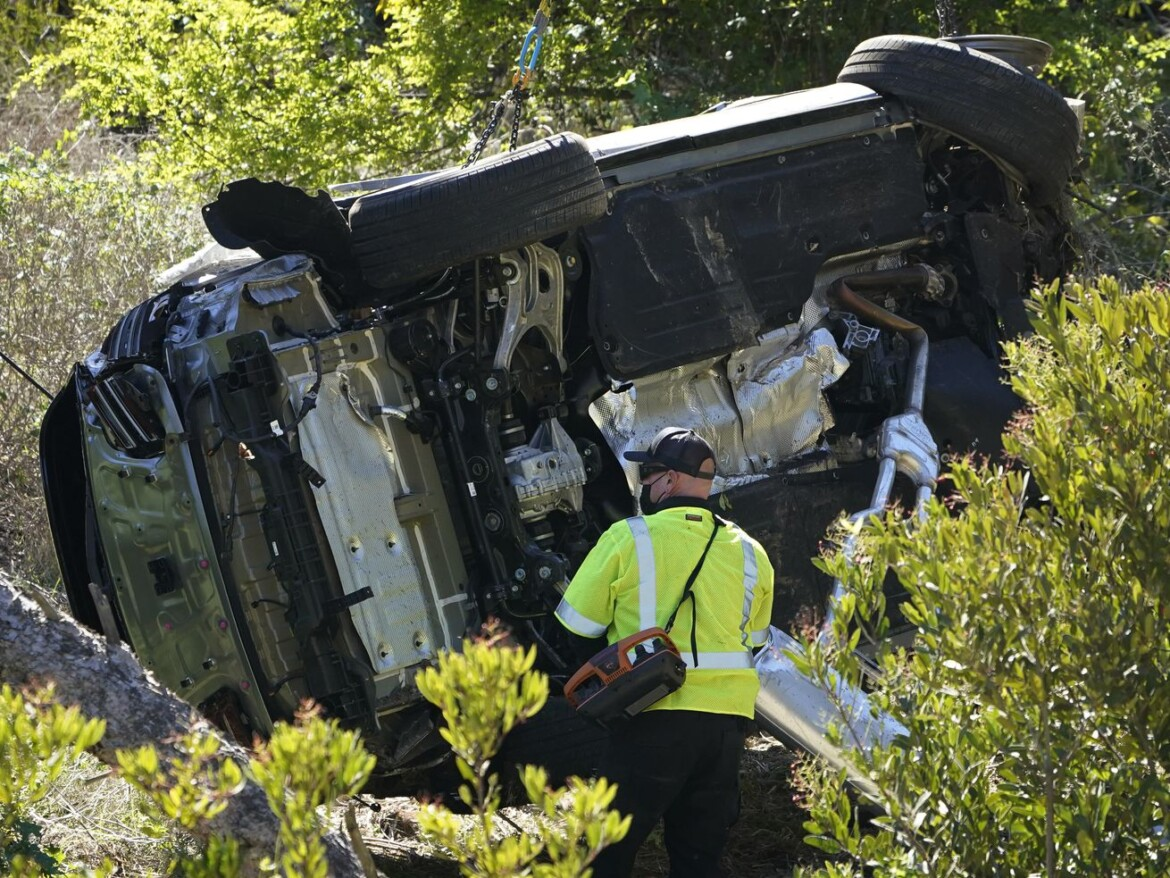 Data in 'black box' from Tiger Woods' SUV could help determine cause of wreck