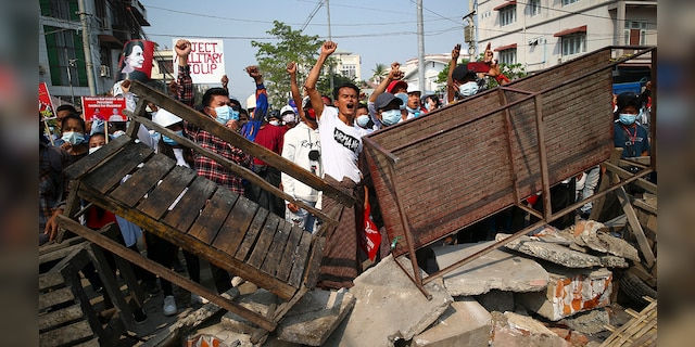 Burma military crackdown on anti-coup protests leaves at least 2 dead