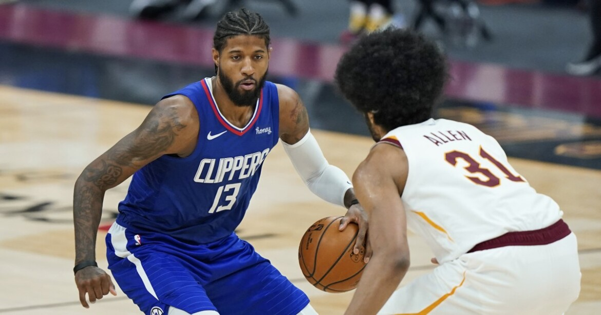 Clippers' Paul George sits out against Celtics because of foot injury