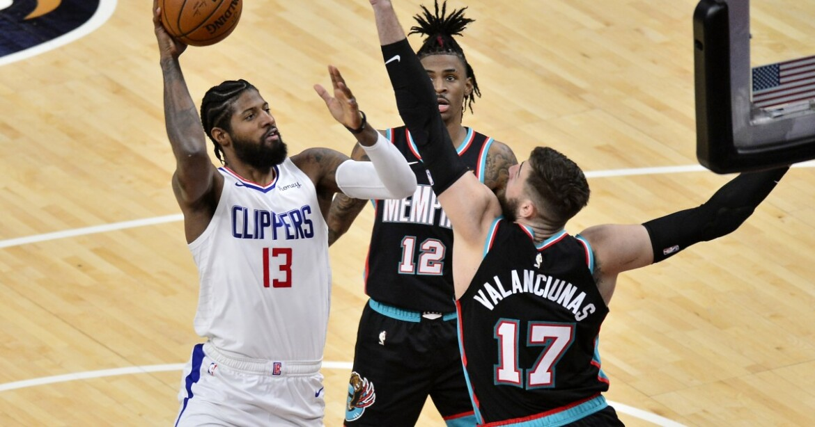 Clippers look unprepared in ugly loss to Grizzlies