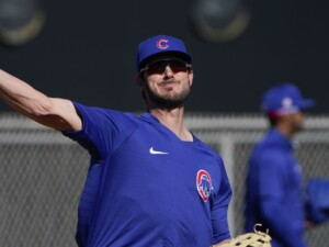 Kris Bryant open to discuss contract extension with Cubs