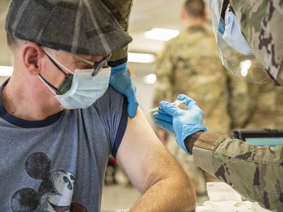 Illinois coronavirus vaccination ramps up — latest daily record number of shots 20 times the tally of new infections