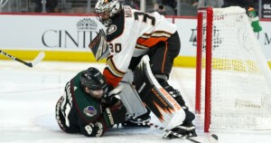 Ducks blow 3-0 lead again and lose to Coyotes