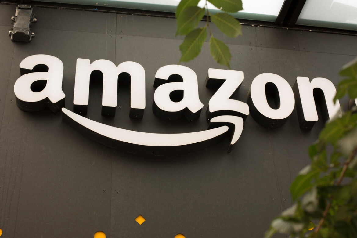Federal board clears way for mail-in union vote at Amazon