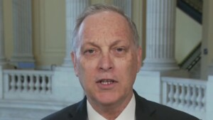Rep. Biggs, co-chair of border security caucus, says issue is uniting conservatives