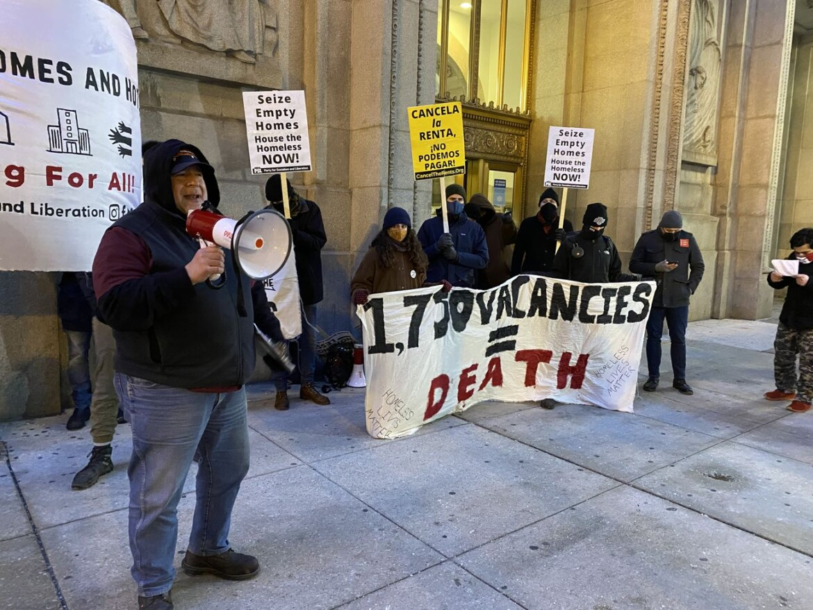 Advocates urge city to use hotels, abandoned houses to keep homeless warm during cold snap