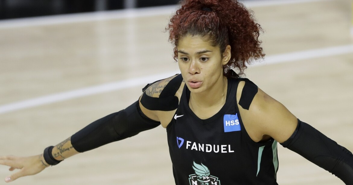 Sparks look for new center Amanda Zahui B. to fill a void