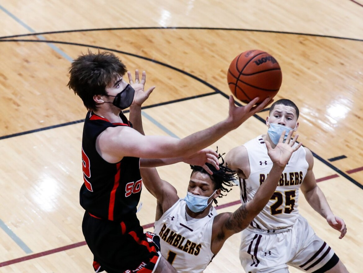 Maine South edges Loyola in a battle of the area's premier defenses