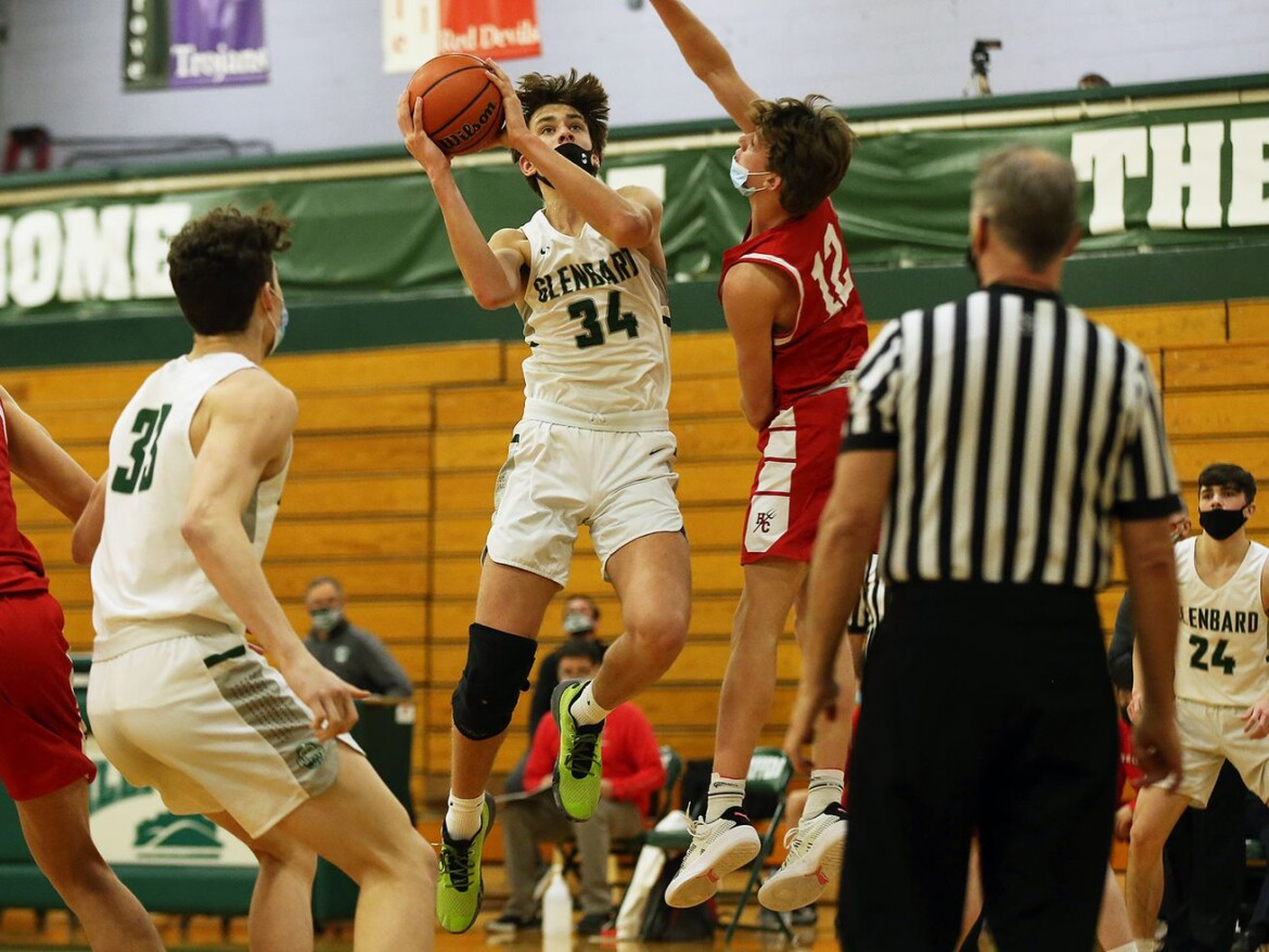 Braden Huff's diverse skills lead Glenbard West past Hinsdale Central