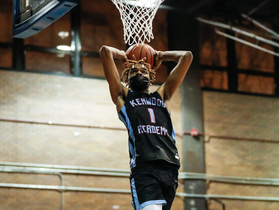 Sophomore JJ Taylor prepares to step into the spotlight as Kenwood beats Clemente