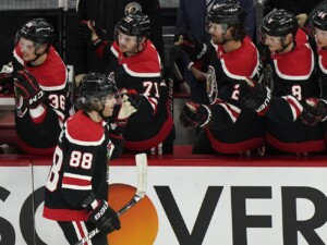 Patrick Kane scores 400th career goal as Blackhawks rout Red Wings