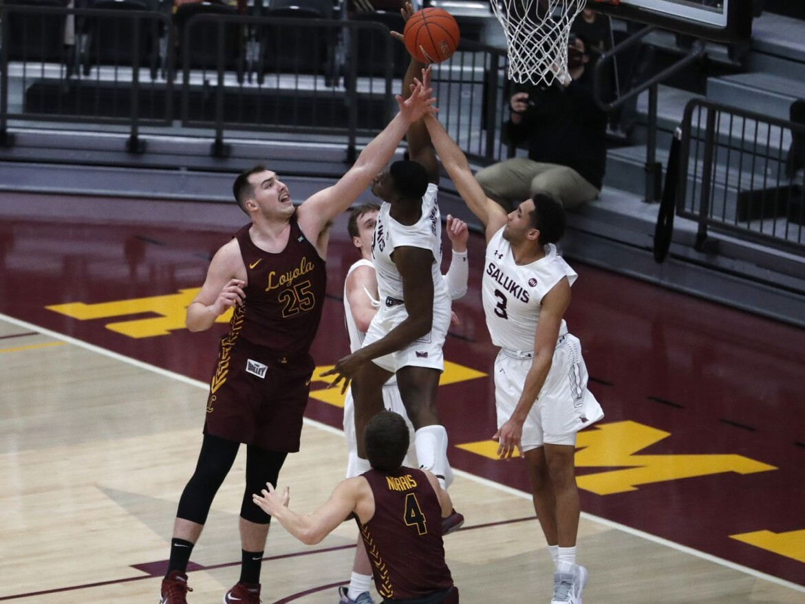 No. 21 Loyola beats Southern Illinois in overtime