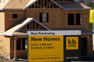 Homebuilders grapple with land shortage, soaring lumber costs