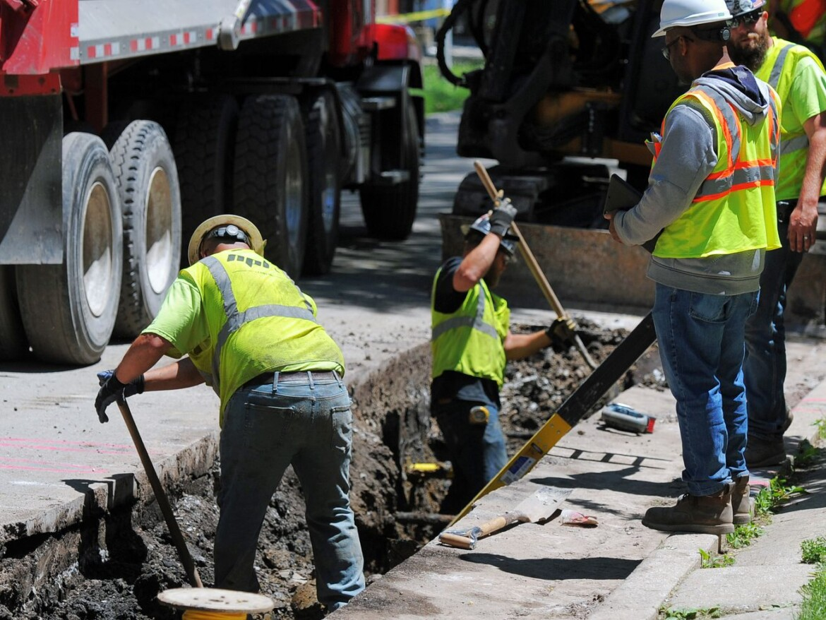 Peoples Gas pipe replacement is costing Chicagoans more