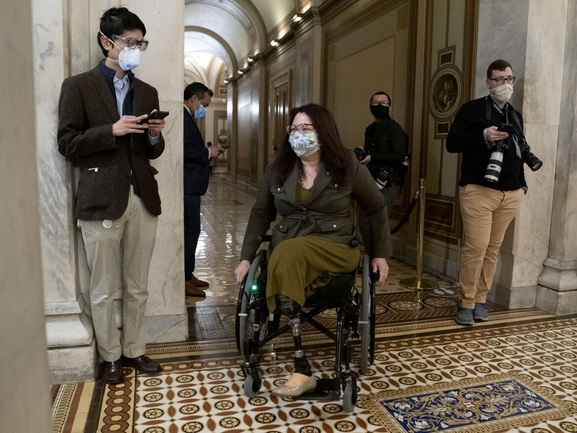 Sen. Tammy Duckworth launches bid for second term with fundraising push