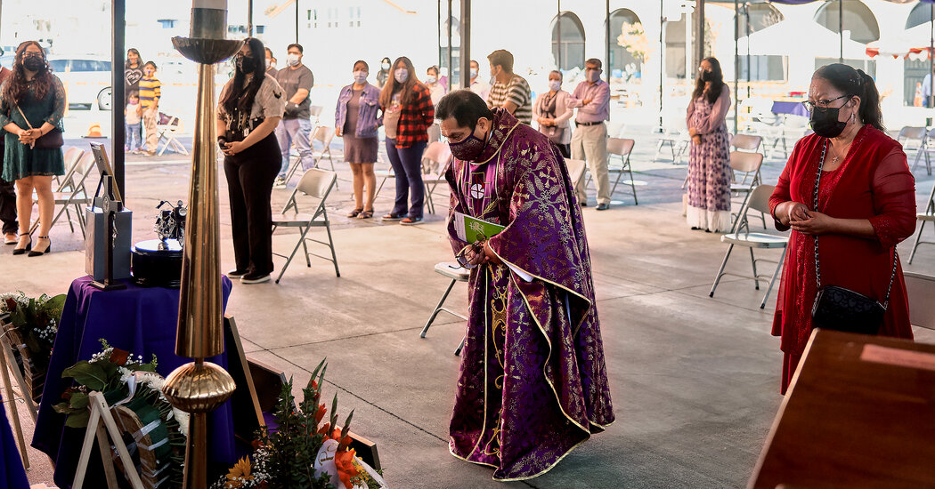 A Weekend of Mourning at a Los Angeles Church