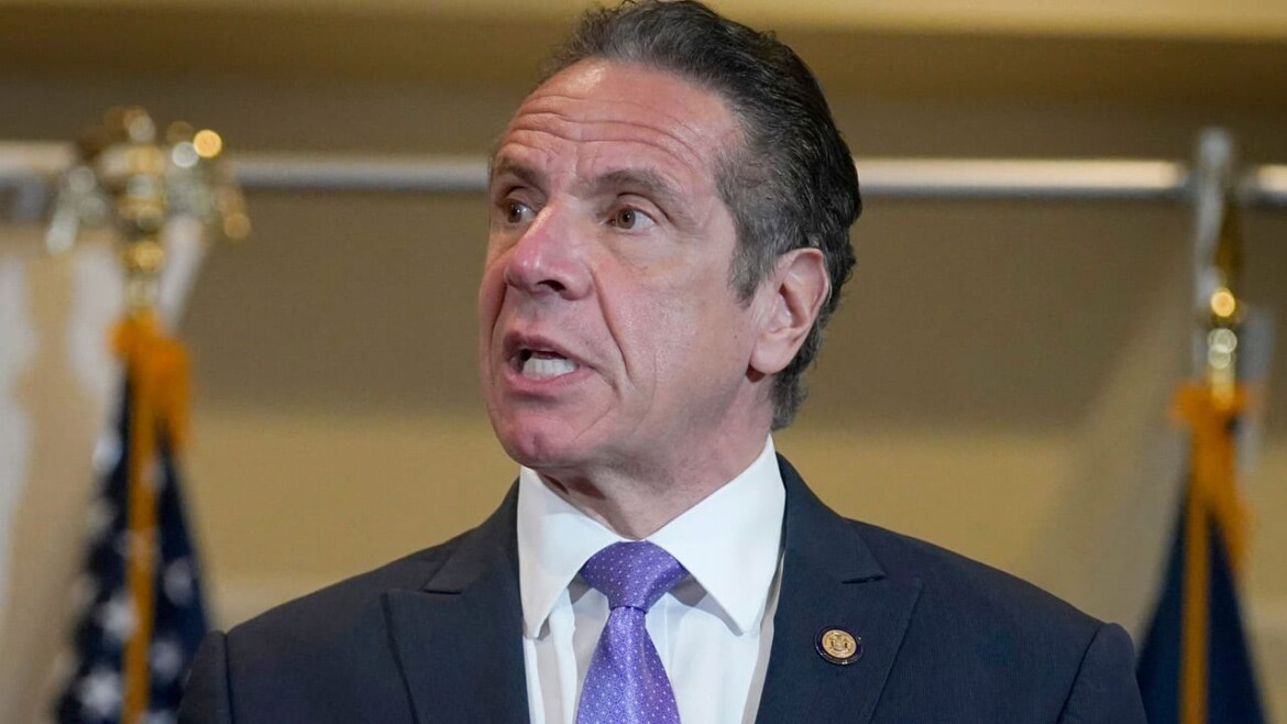 Cuomo officials 'threatened' nursing home reps over COVID-19 vaccination efforts: Report