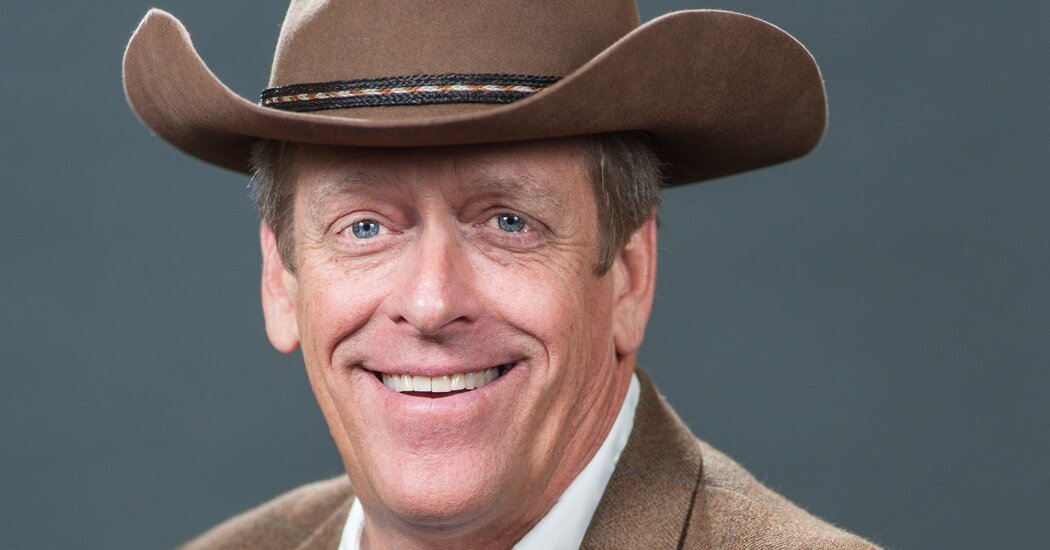 Kent Taylor, Texas Roadhouse Founder and C.E.O., Dies at 65