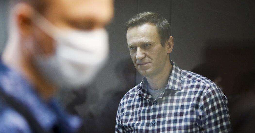 U.S. Accuses Russian Intelligence of Poisoning Navalny