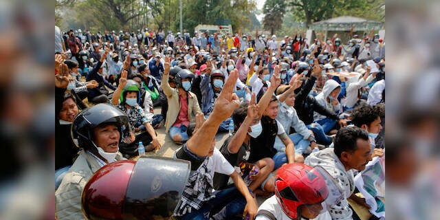 Burma security forces kill 2 anti-coup protesters