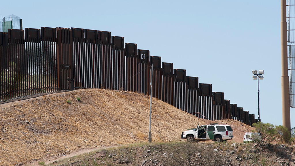 Biden's US-Mexico border pullback creating 'roads for the cartels,' Arizona sheriff says: report