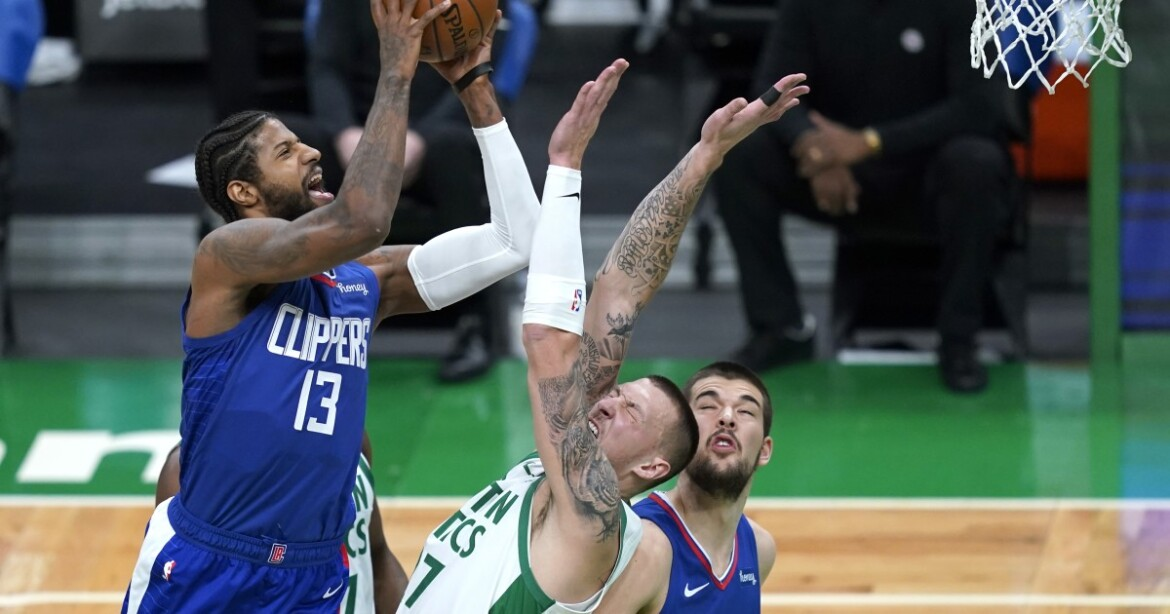 With Kawhi Leonard out, a surprise star steps up, but can't save Clippers in Boston
