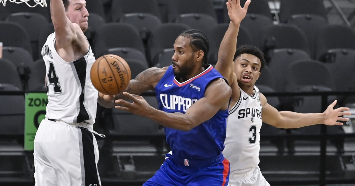 Clippers dominant from start to finish in rout over Spurs
