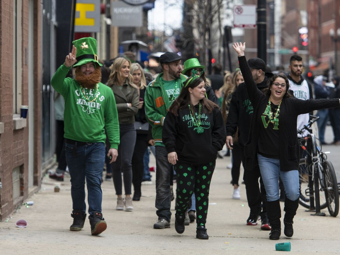 Chicago bars put on notice to avoid St. Patrick's Day crowds