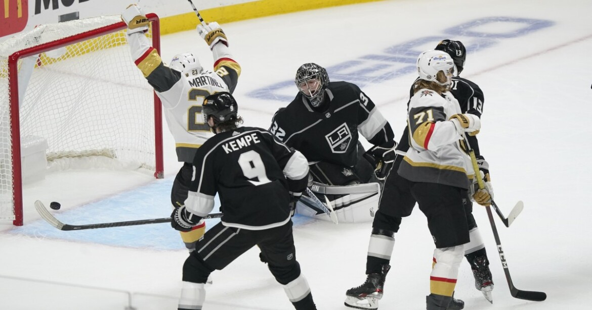 Kings lose to Golden Knights, who get two goals from Max Pacioretty