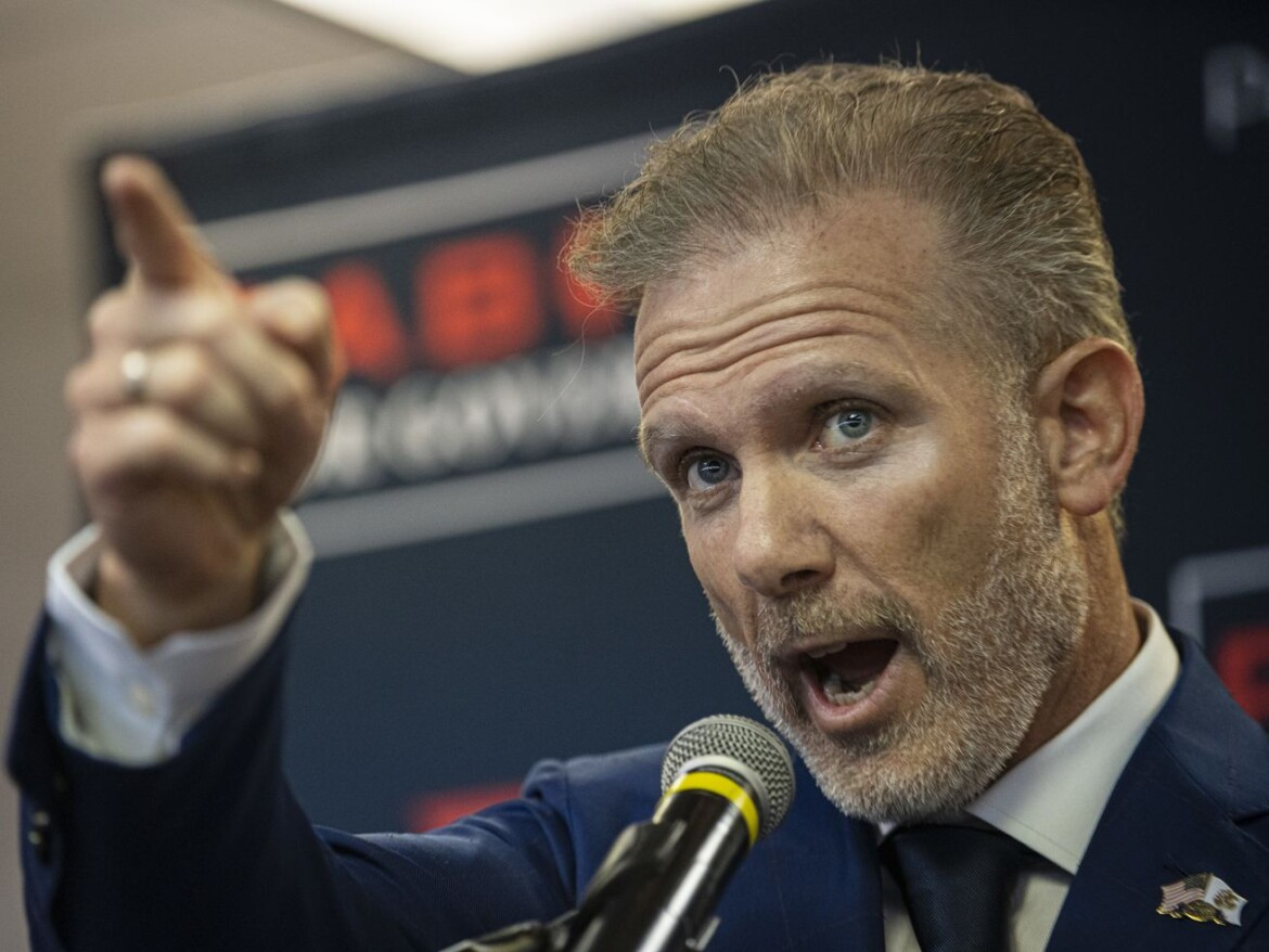 Suburban businessman kicks off GOP bid for governor emulating Trump, hoping to be as effective 'a leader in Illinois'