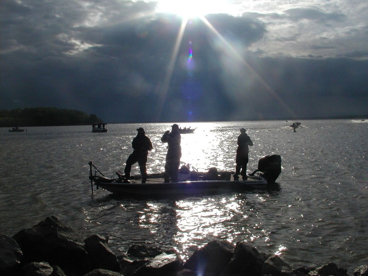 IHSA will attempt a state finals in bass fishing