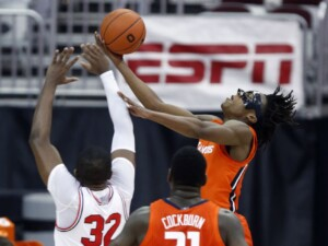 Ayo Dosunmu's return powers No. 4 Illinois over No. 7 Ohio State
