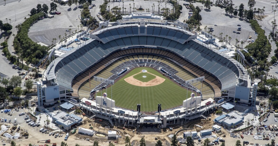 It's official: Thousands of fans welcome at Dodger Stadium, Angel Stadium