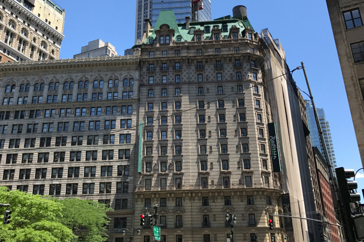 Hotels, investment  transform stretch of Broadway from shabby to chic
