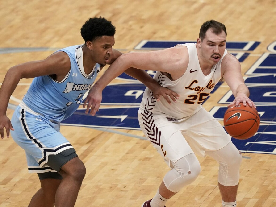 Cameron Krutwig leads No. 22 Loyola past Indiana State, into MVC title game