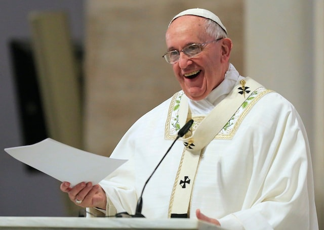 Pope decries lack of access to drinking water for many
