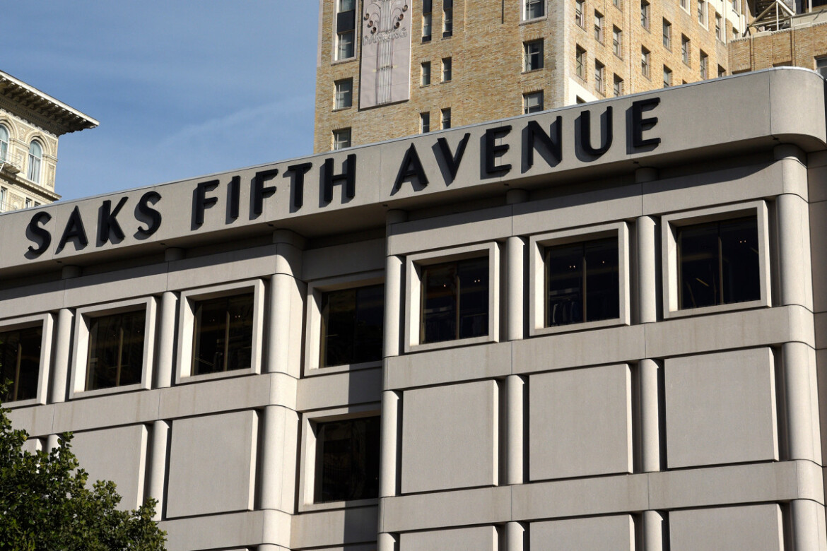 Saks Fifth Avenue owner to spin off Saks.com into separate business