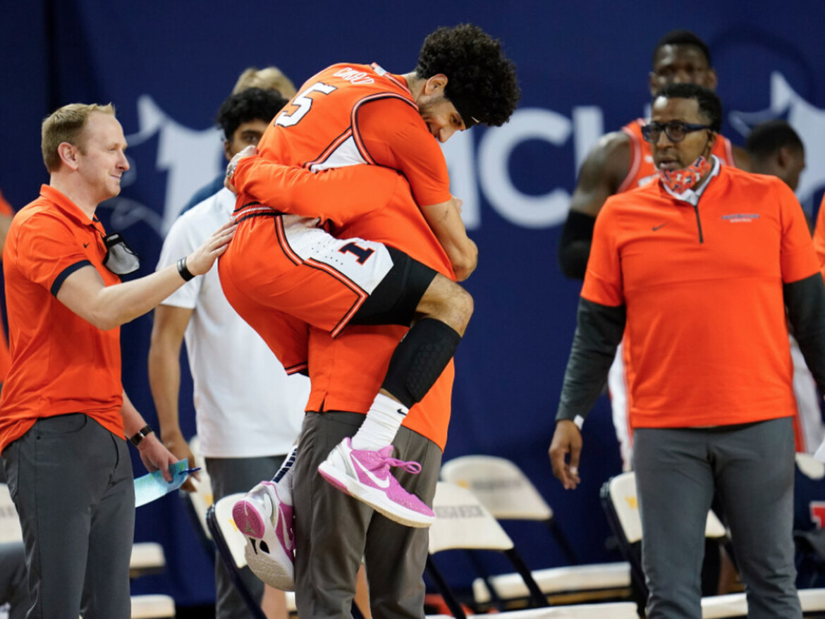 All rout, All rout! No. 4 Illini blow away No. 2 Wolverines
