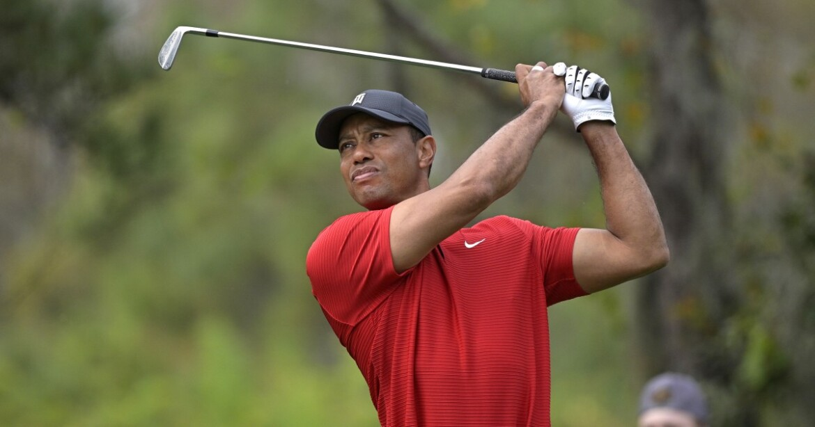 Tiger Woods returns to Florida to recover from car crash