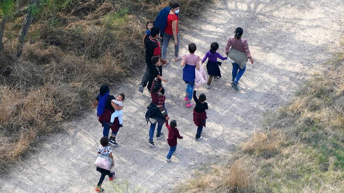 9-year-old Mexican girl drowns crossing Rio Grande into US