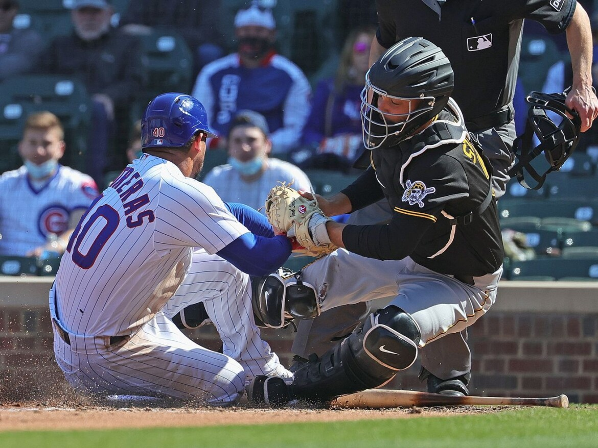 Cubs play big and small ball in victory over Pirates