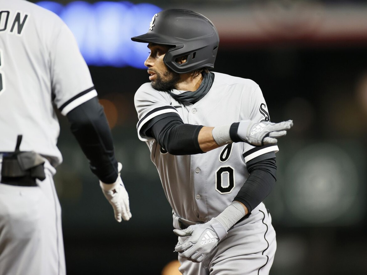 Billy Hamilton third White Sox player to land on IL with hamstring injury