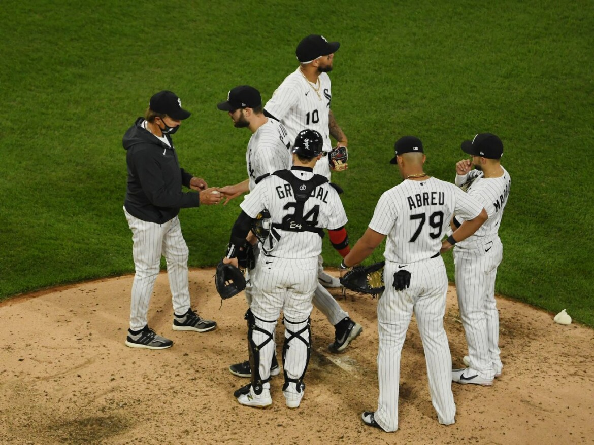 Tigers make five errors, but White Sox and Lucas Giolito lose 5-2