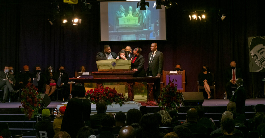 At Daunte Wright Funeral, Minneapolis Mourns the 'Prince of Brooklyn Center'