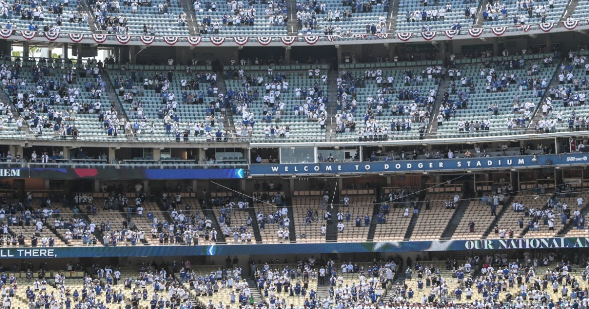 Dodgers offering 'fully vaccinated fan section' for Saturday's game vs. Padres