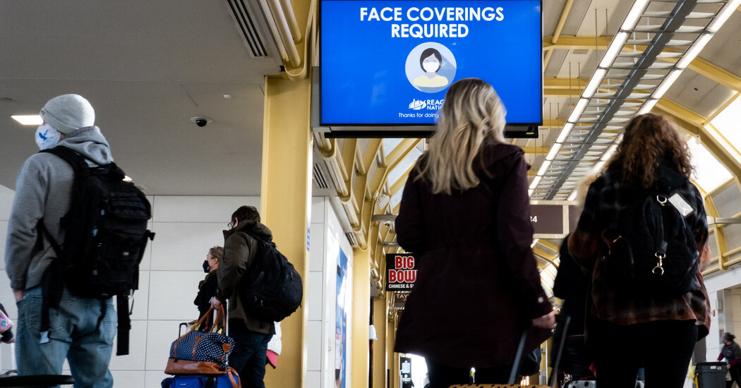 C.D.C.'s Travel OK for the Vaccinated Wins Industry Applause
