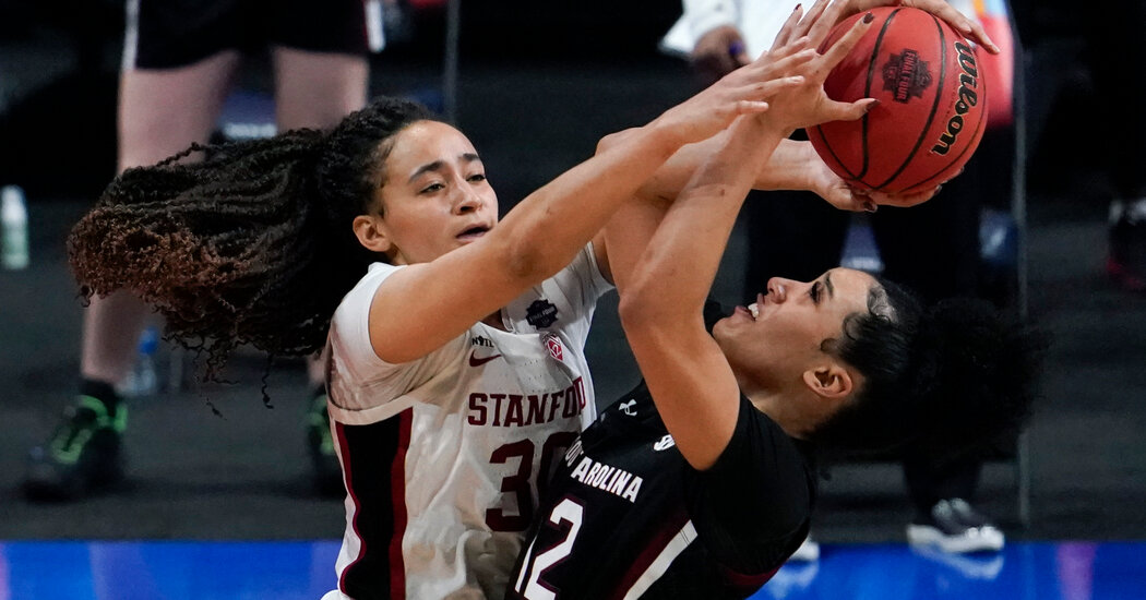 Stanford Holds Off South Carolina to Reach Title Game